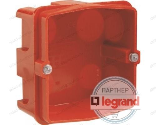 Коробка встраиваемая для силовой розетки 32А Legrand Batibox 080184